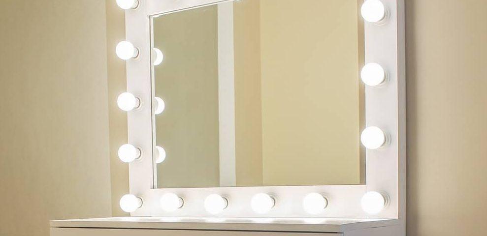 гримерное зеркало с подсветкой для макияжа